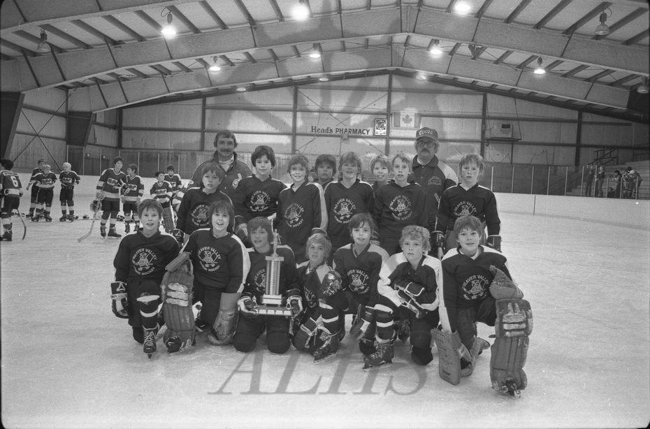 20140181527 1982 Hockey Program Pix