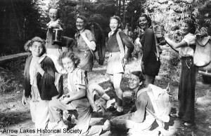 Nakusp girls on weekend visit to Nakusp hot springs. Picture taken at start of trail, 1938 or 1939. BR L-R Mary Rushton, Cathy (nee Mauchline) Horrey, Edie Horrey, Eileen Leary, Vera Johnson. FR L-R Sheila Leary, ?, Nellie Horrey