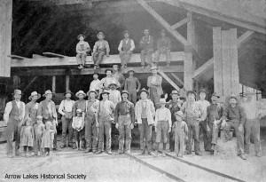 Genelle Mill & Crew, circa 1897